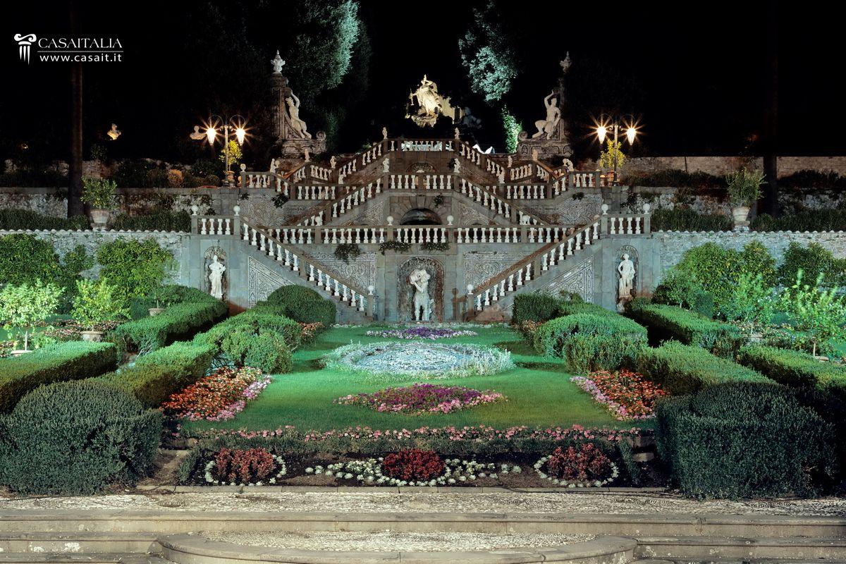 Statue per giardino e planimetria villa con giardino for Planimetrie della villa toscana