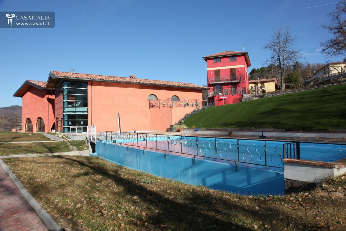 Ufficio Moderno Della Lombardia Pavia : Agriturismo con centro benessere in vendita in lombardia