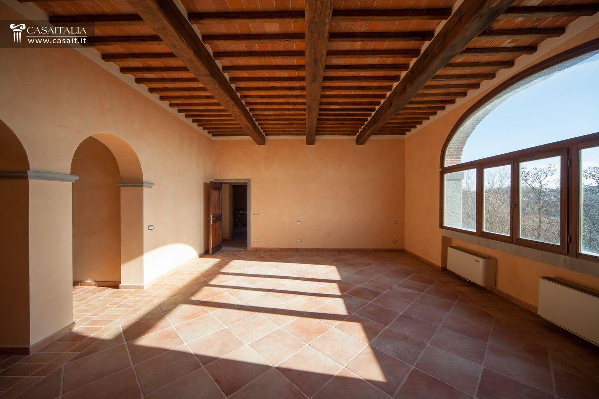 Toscana villa leopoldina in vendita fra cortona e arezzo for Casali interni