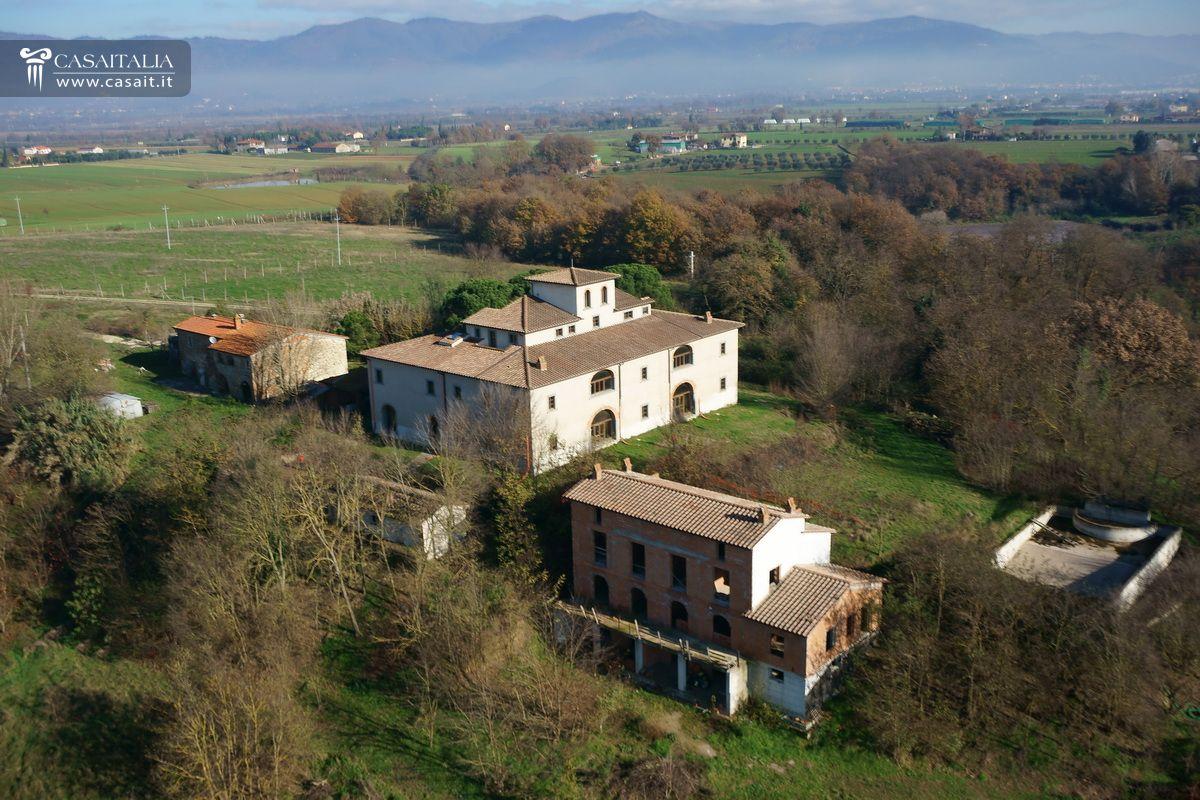 Toscana villa leopoldina in vendita fra cortona e arezzo for Planimetrie della villa toscana