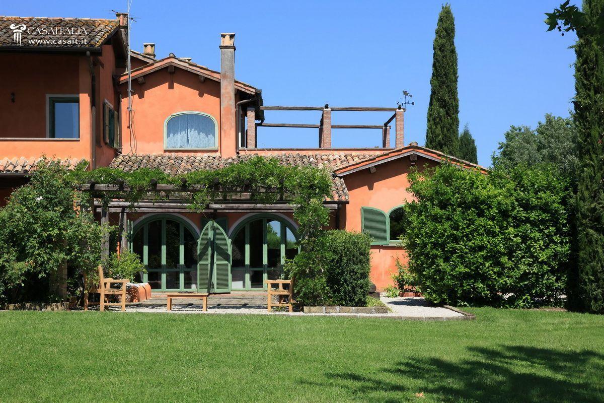 roma olgiata vendita lussuosa villa con piscina