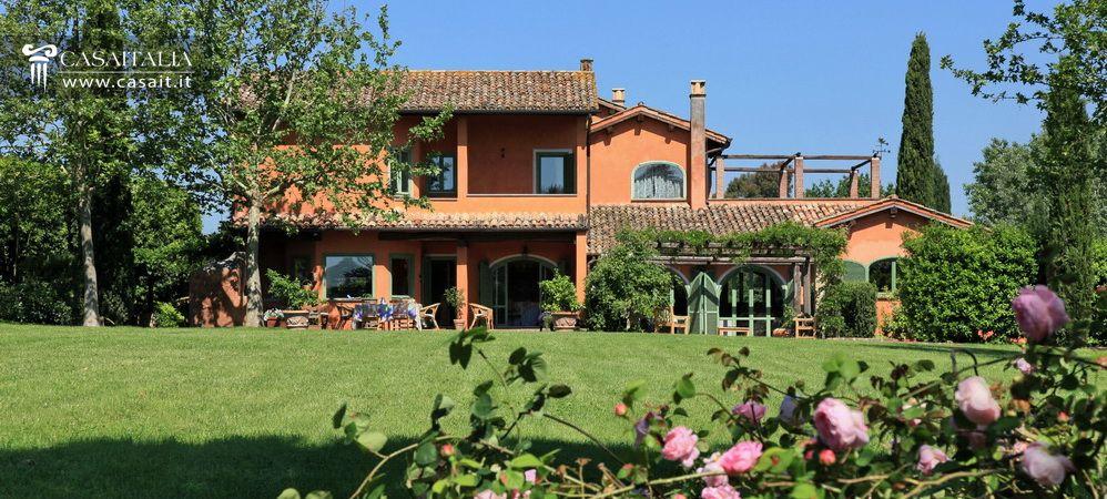 Roma olgiata vendita lussuosa villa con piscina for Cabinati di lusso in vendita