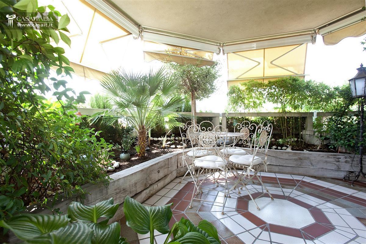 Milano vendita appartamento di lusso con terrazzo - Progettazione terrazzi milano ...