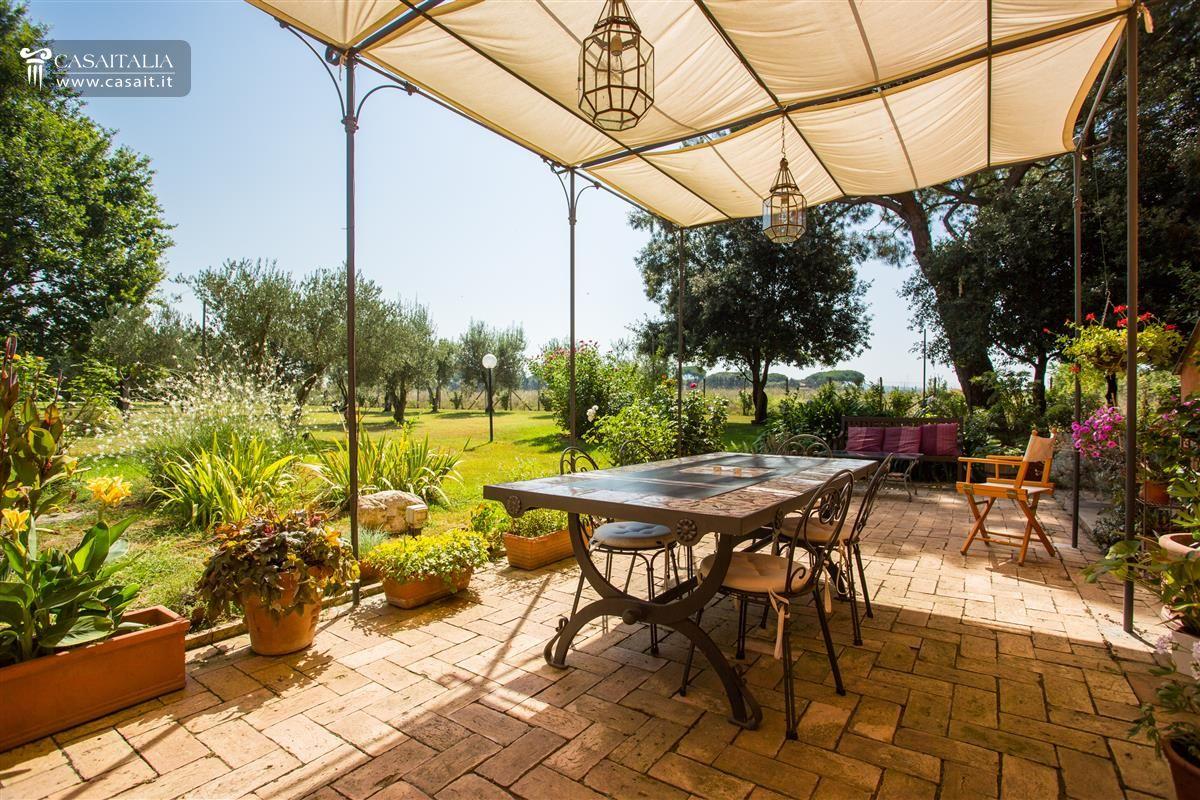 Roma - Vendita villa di lusso sull'Appia Antica