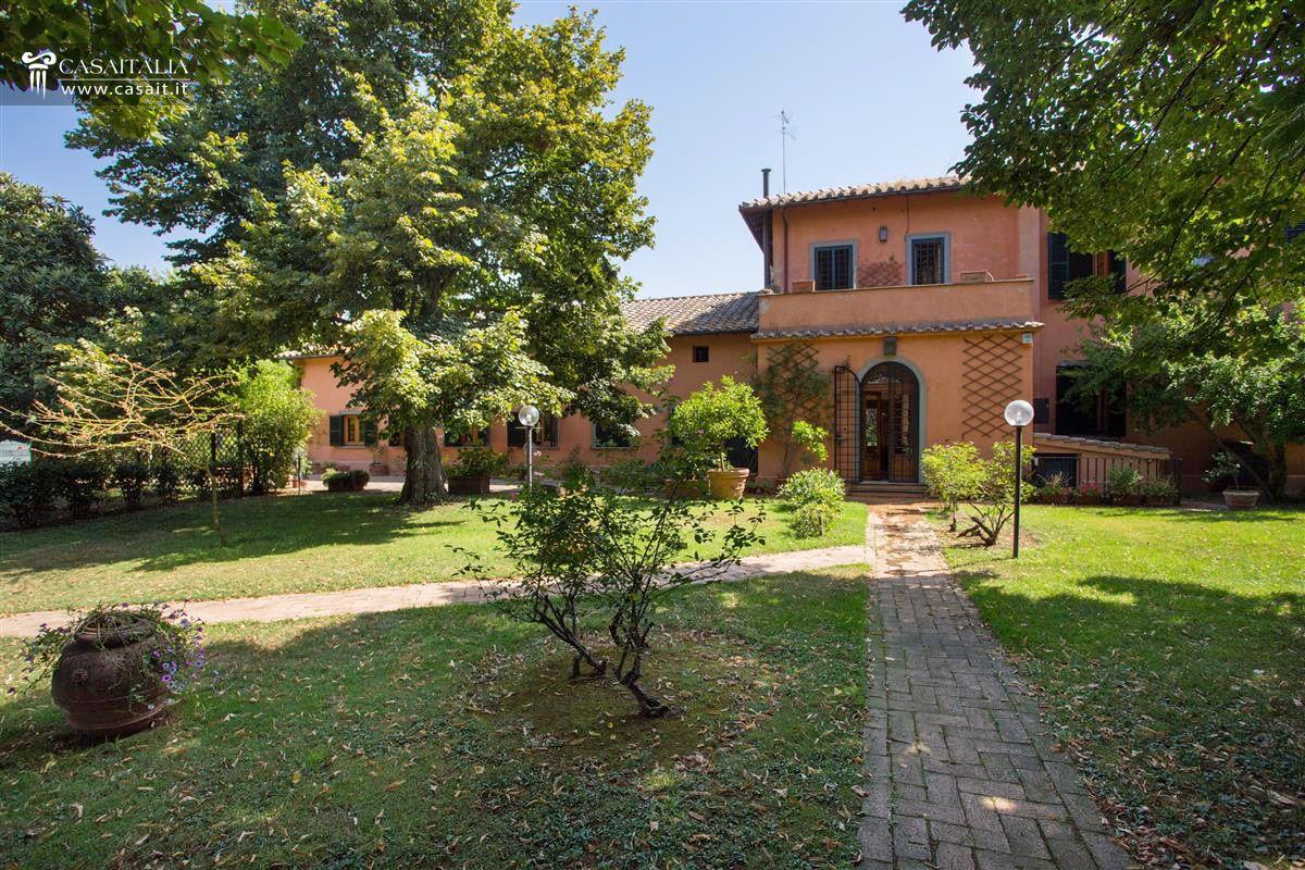 roma vendita villa di lusso sull 39 appia antica
