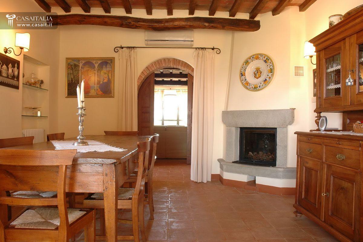 Toscana - Casale in vendita vicino Cortona
