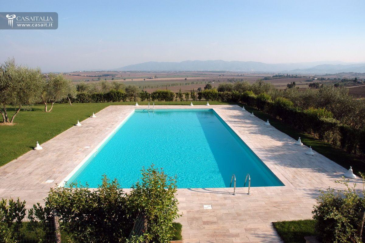 Toscana casale in vendita vicino cortona - Piscina a sale ...