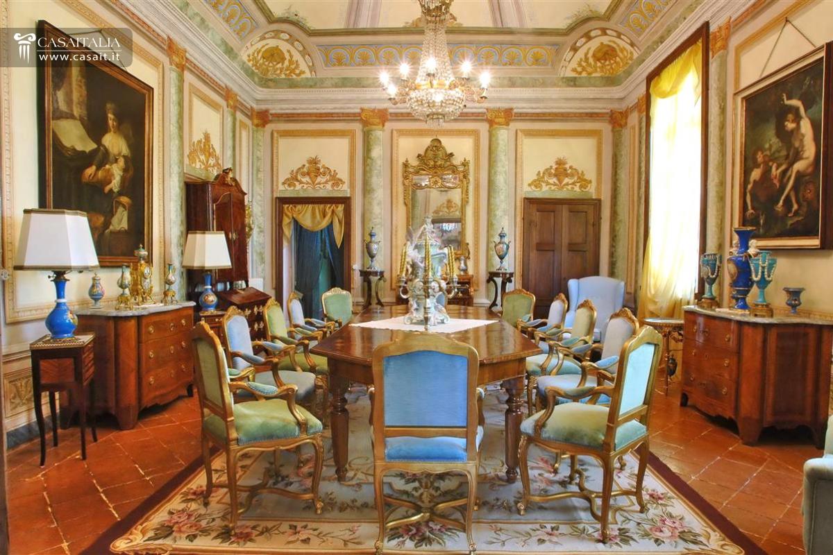 Villa di lusso in vendita in piemonte for Grandi planimetrie per le case