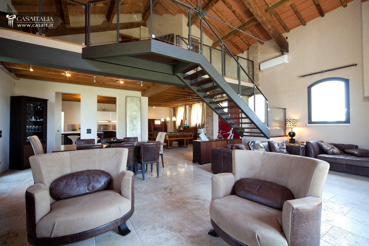 Grosseto vendita villa di pregio a 9 km dal mare for Interni ville antiche