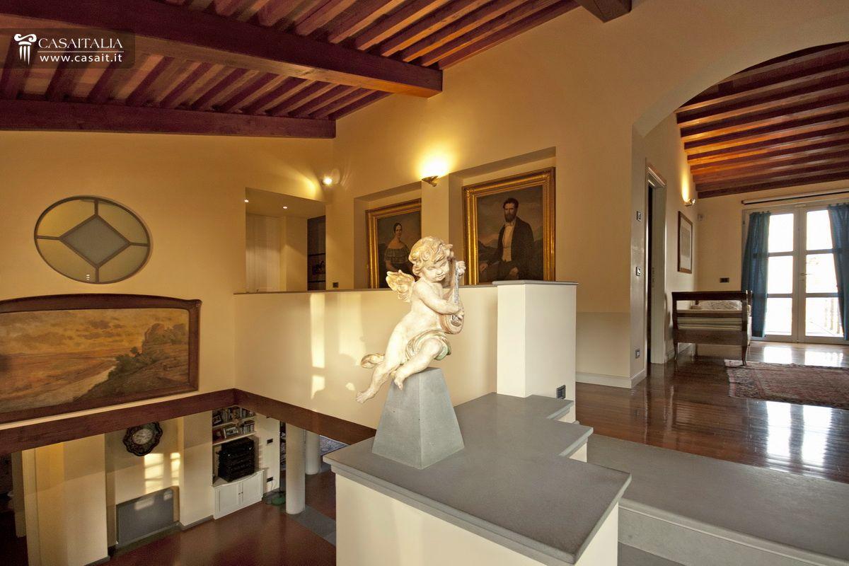 Toscana montecatini terme villa in vendita for Interni ristrutturati