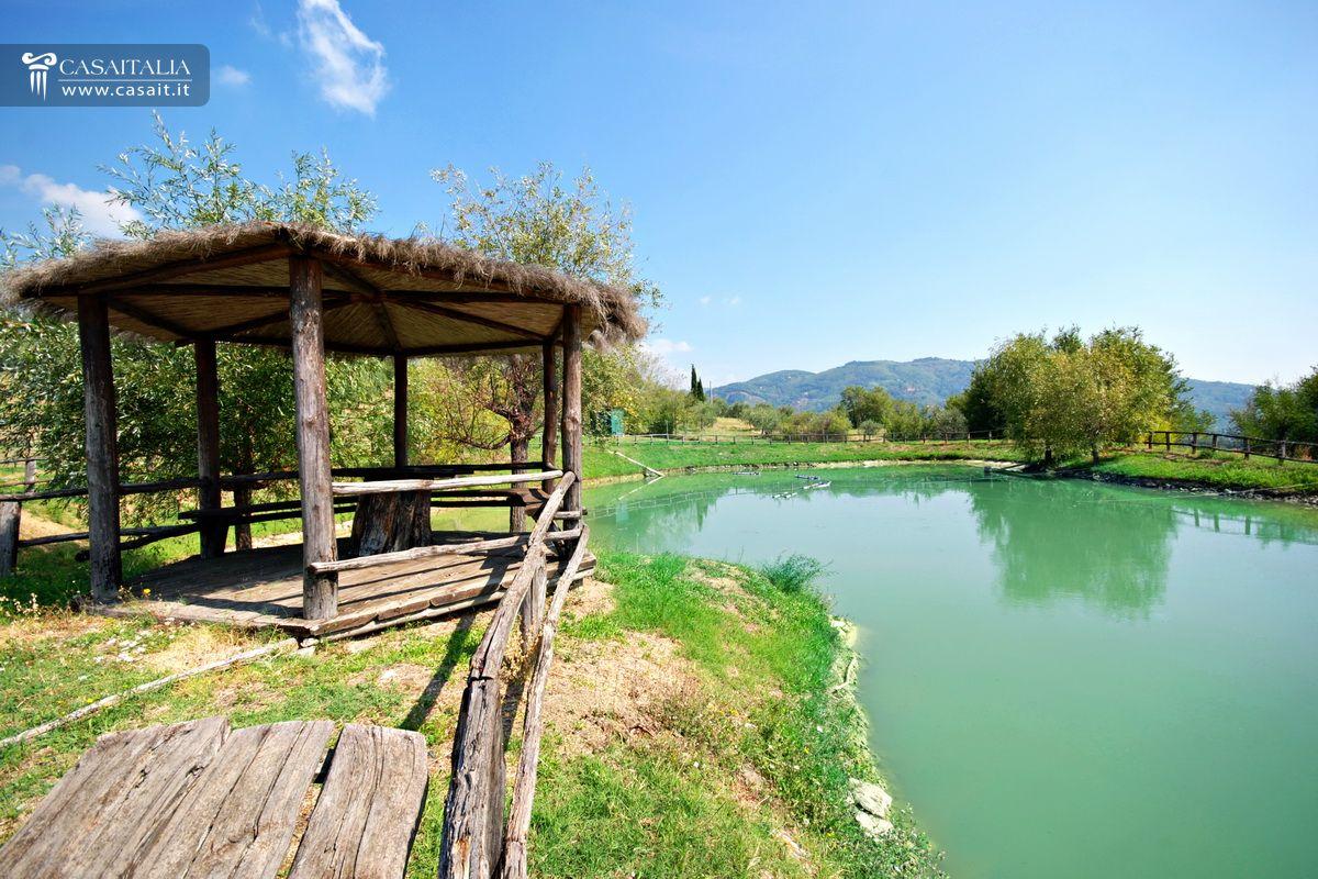 Toscana montecatini terme villa in vendita for Case in vendita con casa suocera