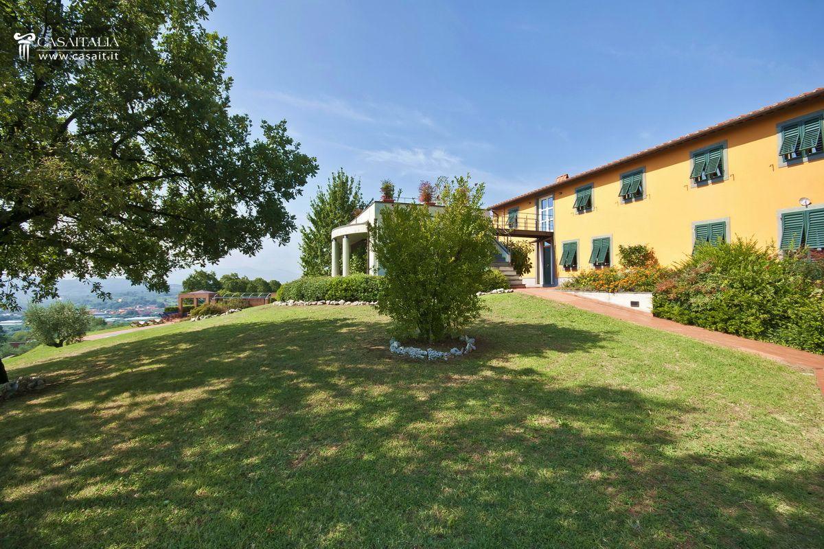 Toscana montecatini terme villa in vendita for Planimetrie della villa toscana