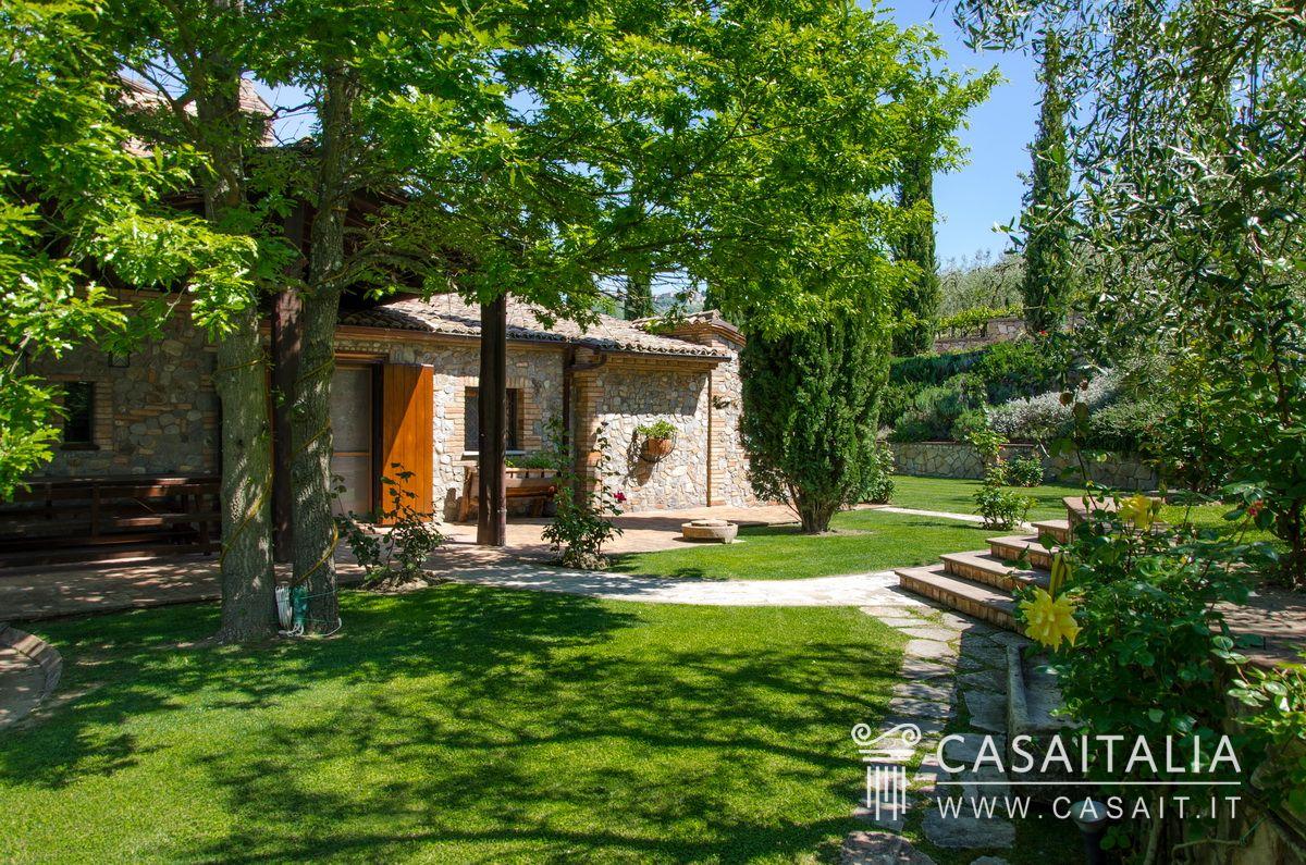 Vendita casale pietra ristrutturato umbria toscana - Il giardino segreto dvd vendita ...