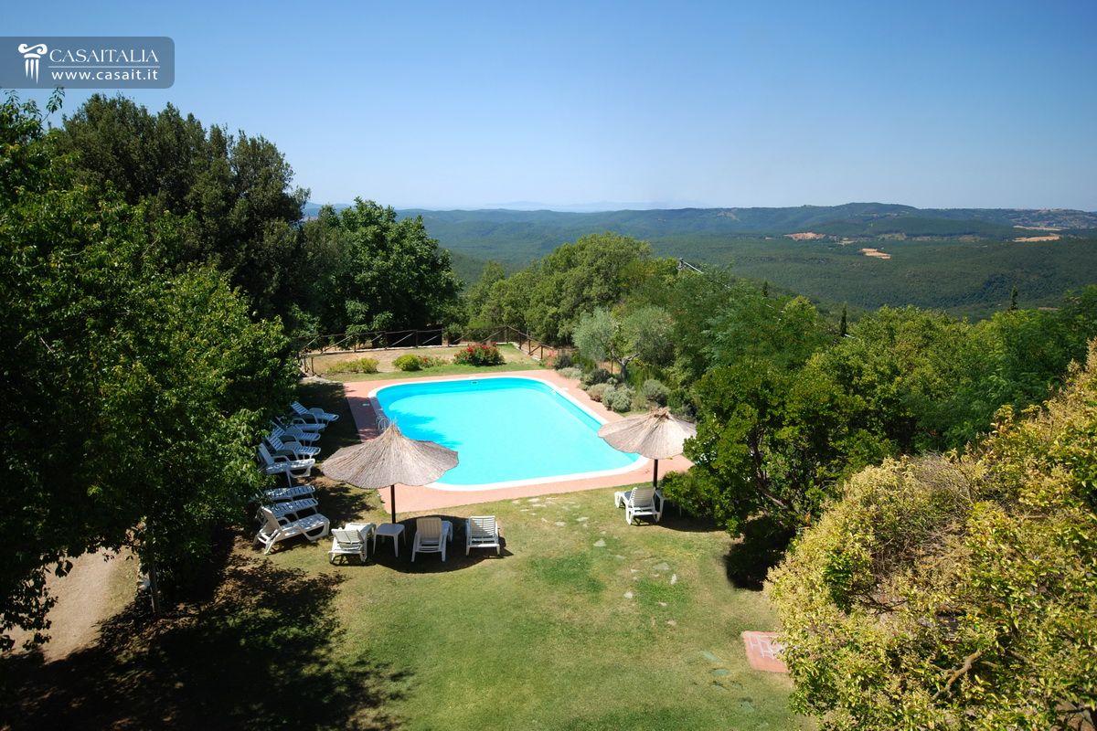 Toscana vendita villa con piscina e uliveto - Vendita villa con piscina genova ...