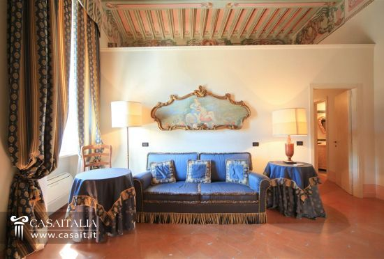 Hotel di lusso in vendita in umbria for Cabinati di lusso in vendita