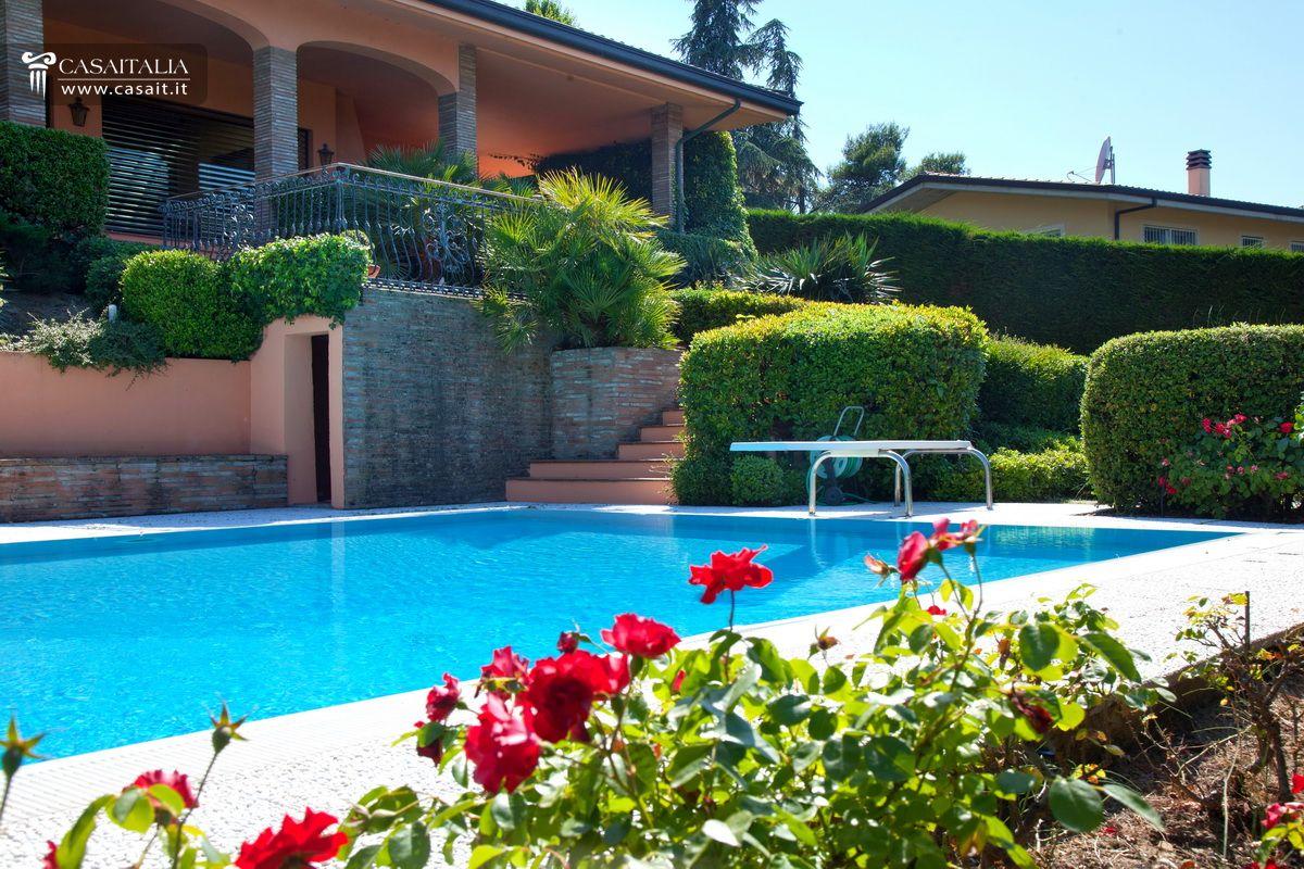 Villa in vendita a riccione - Villa con piscina ...