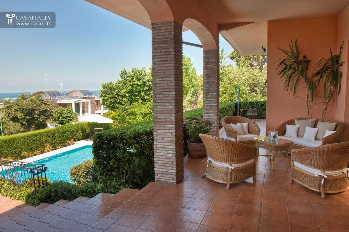 Villa in vendita a riccione for Case single story in vendita vicino a me