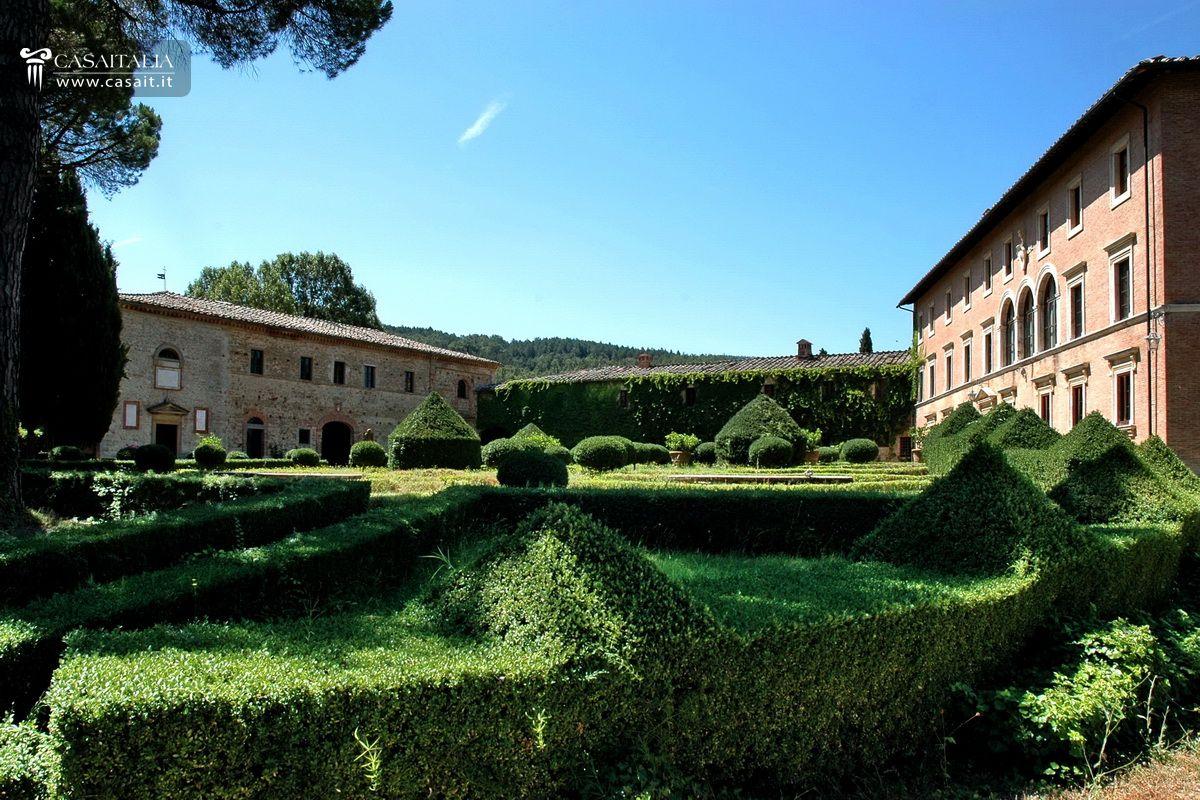 Matrimonio Vigneto Toscana : Tenuta con vigneto e uliveto in vendita toscana