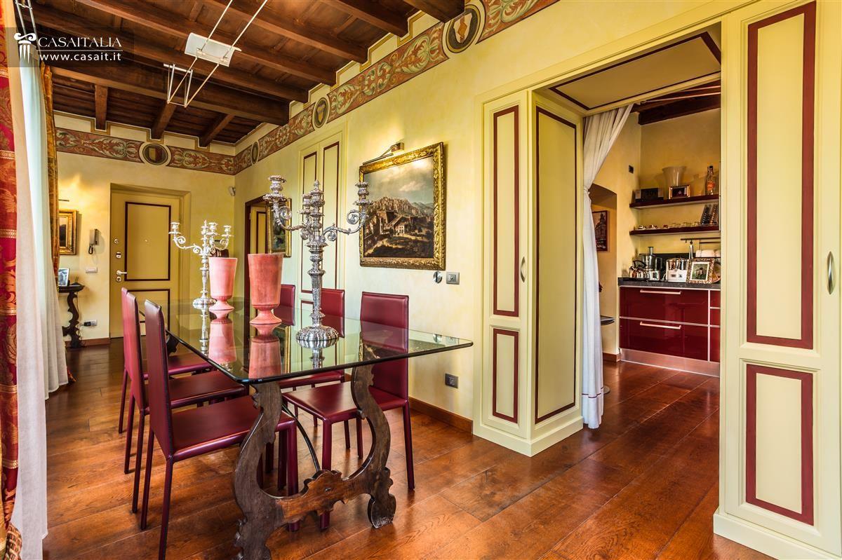 Bergamo alta vendita appartamento lusso for Case con grandi cucine in vendita