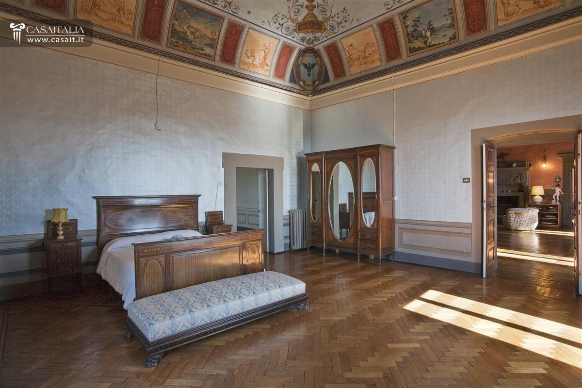 Soffitto A Volta Affrescato : Palazzo storico in vendita a spello