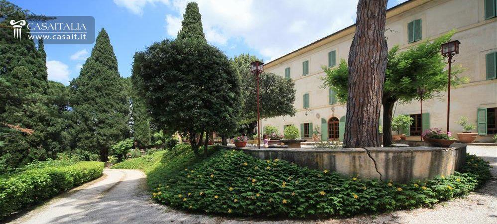 Villa D 39 Epoca In Vendita A Spoleto