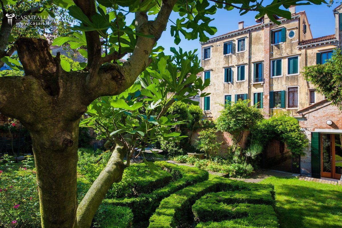 Appartamento con giardino in vendita a venezia - Case in vendita scandicci con giardino ...