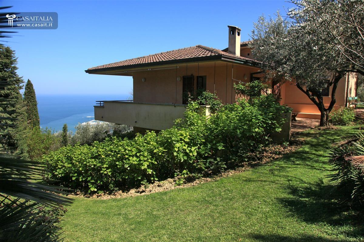 Vendita villa di lusso a pesaro for Ville di lusso sul mare
