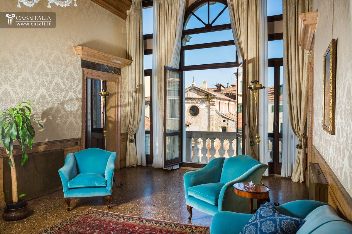 Venezia appartamento in vendita nel centro storico for Balcony 412 sul