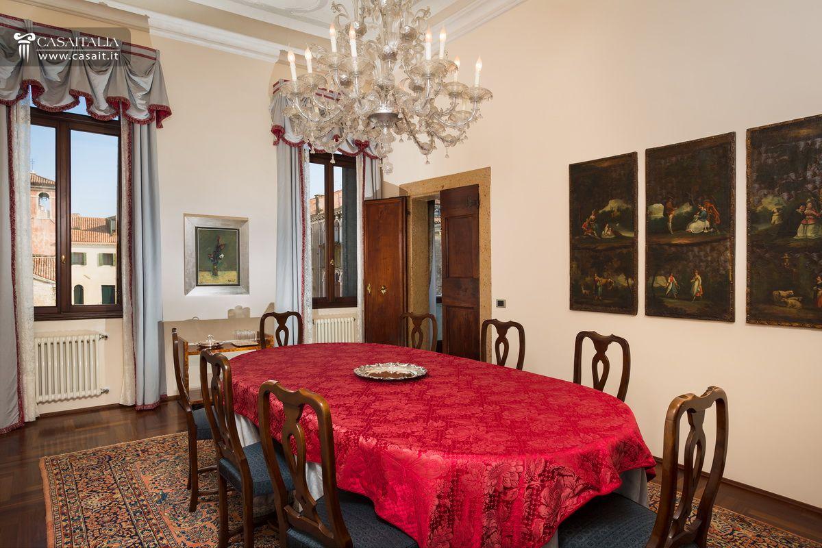Appartamenti Di Lusso In Vendita #B01B2F 1200 800 Sala Da Pranzo In Stile Veneziano