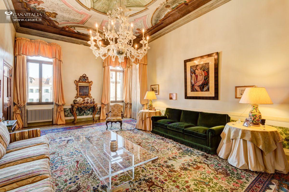 Appartamenti di lusso in vendita for Vendita case a roma da privati