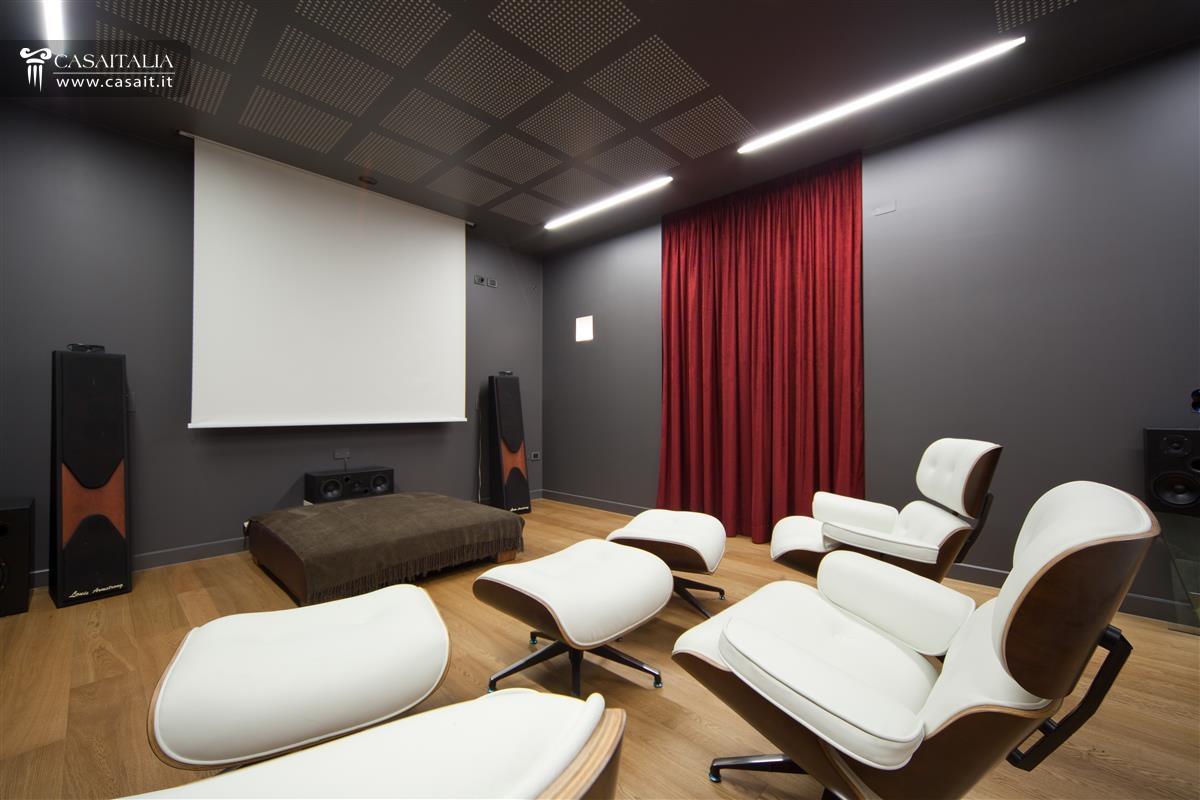 Abruzzo vendita villa di pregio sul mare - Realizzare sala cinema in casa ...