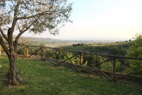 Country house in hilly position in Umbria