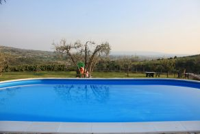 Villa with swimming pool for sale in Assisi