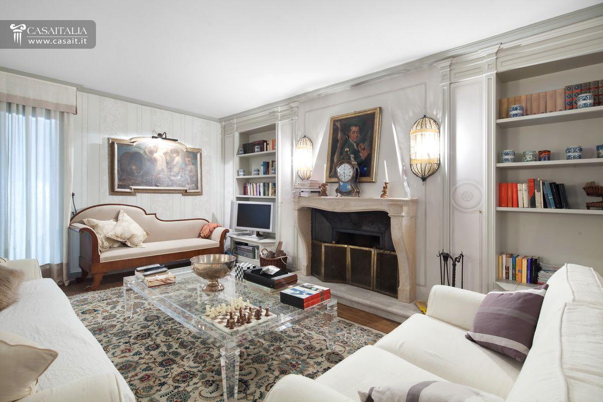Villa di lusso in vendita a sasso marconi bologna for Foto di salotti arredati