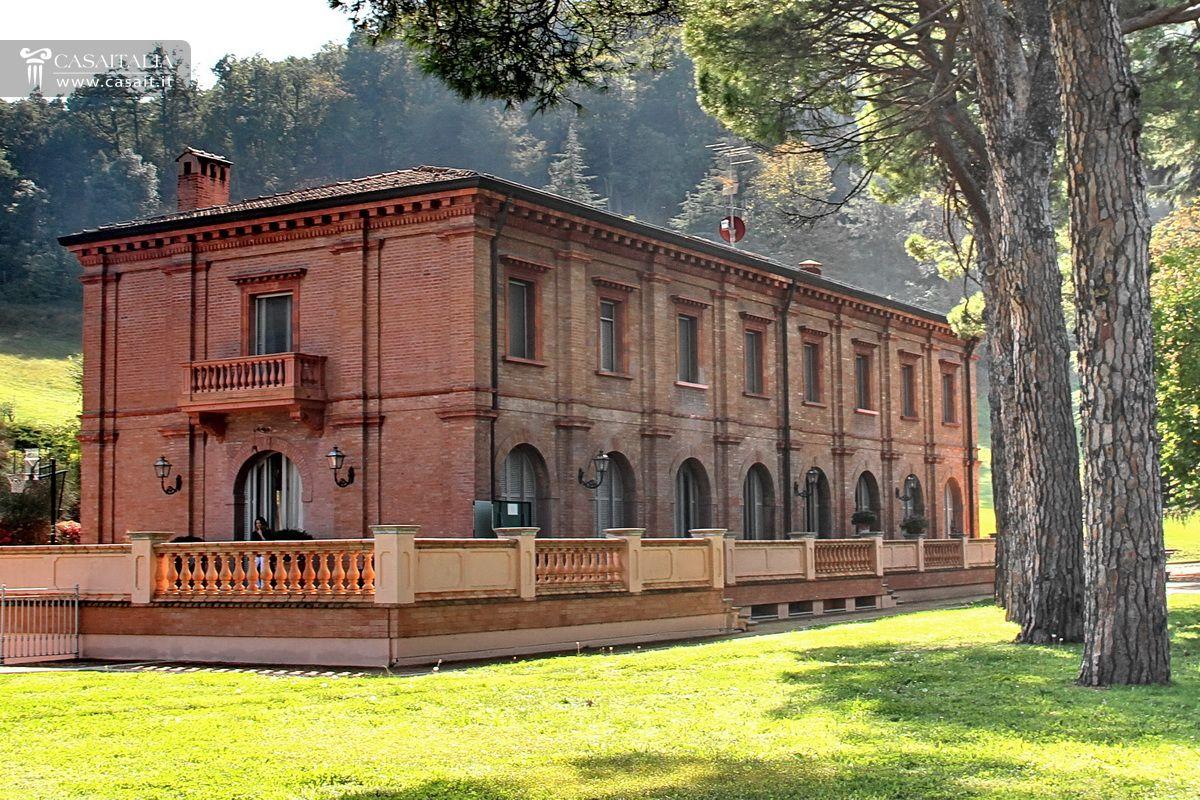 Villa di lusso in vendita a sasso marconi bologna for Planimetrie di lusso