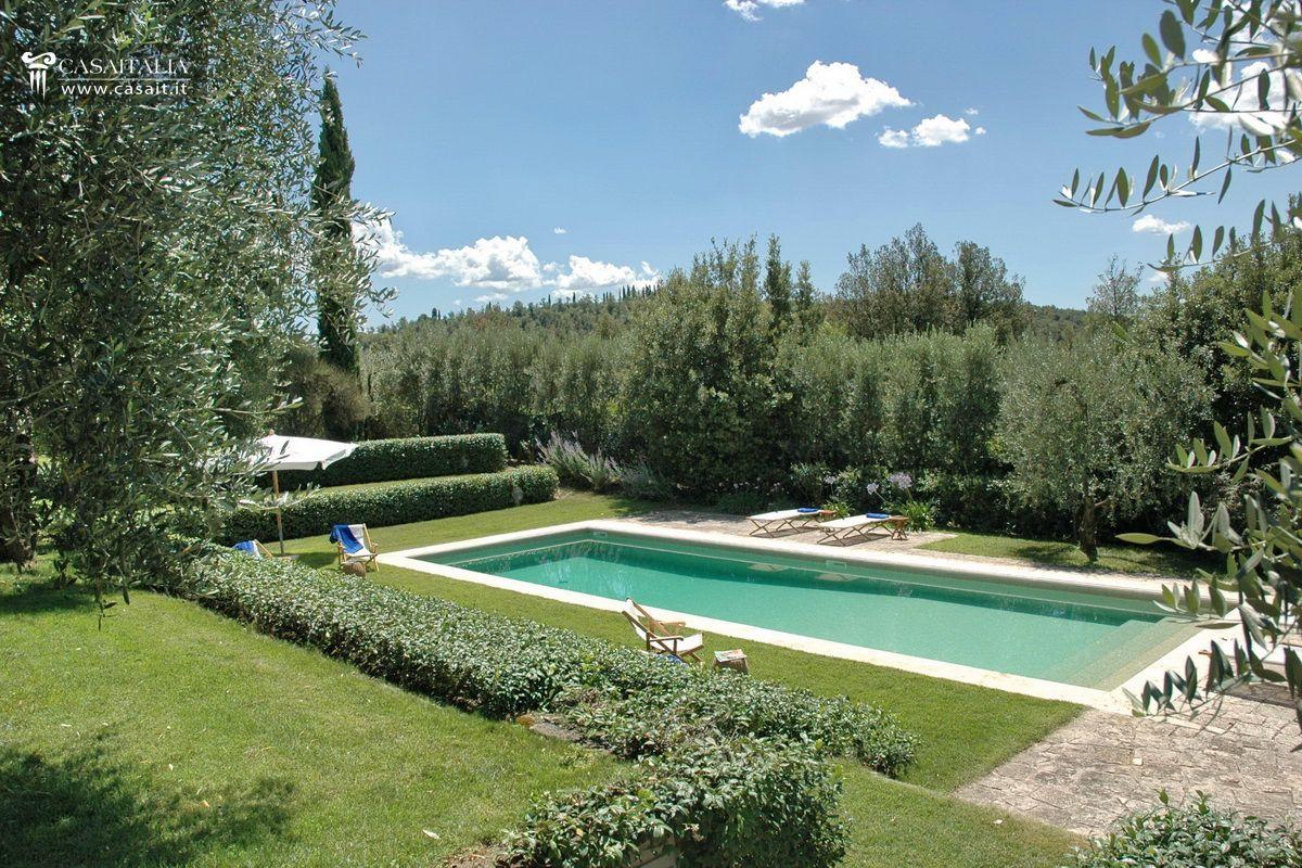 Casale con piscina e uliveto in vendita a orvieto for Hotels in orvieto with swimming pool