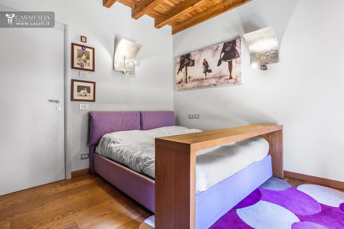 Lago di iseo vendita villa di lusso for 6 piani di camera da letto 6 bagni