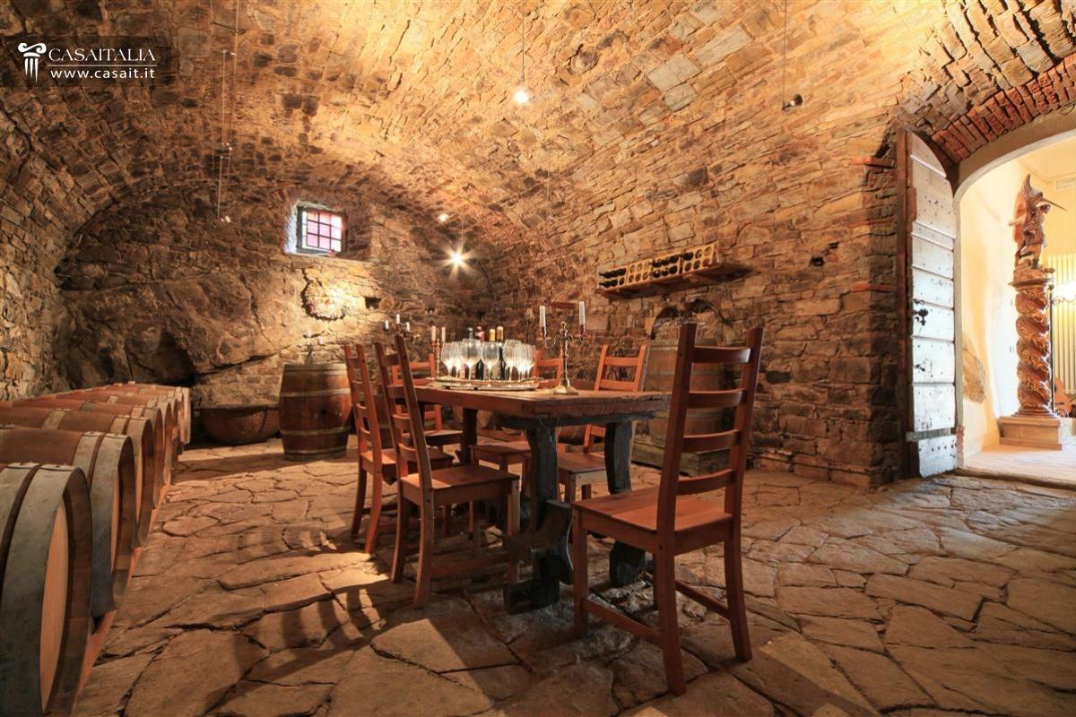 Azienda vinicola in vendita in toscana chianti for Ranch house con cantina