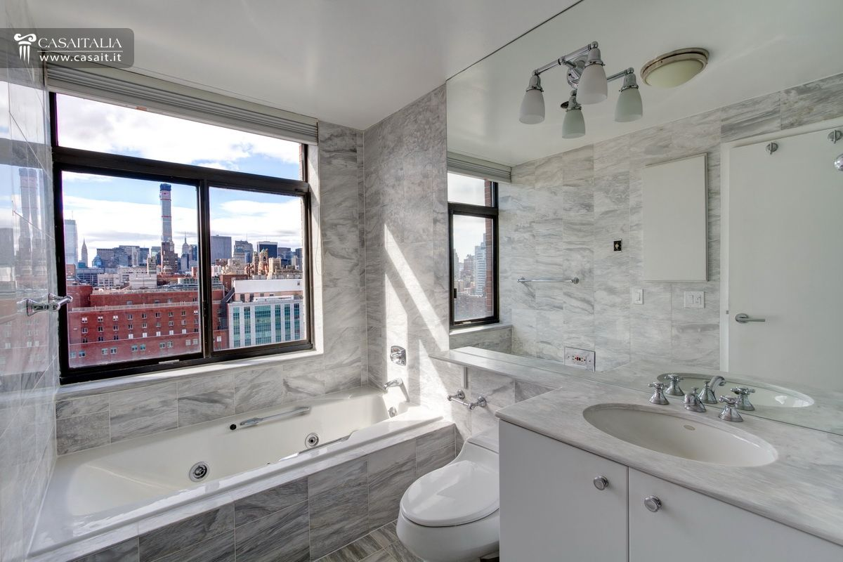 Appartamento di lusso in vendita nell 39 upper east side for Immagini di appartamenti ristrutturati