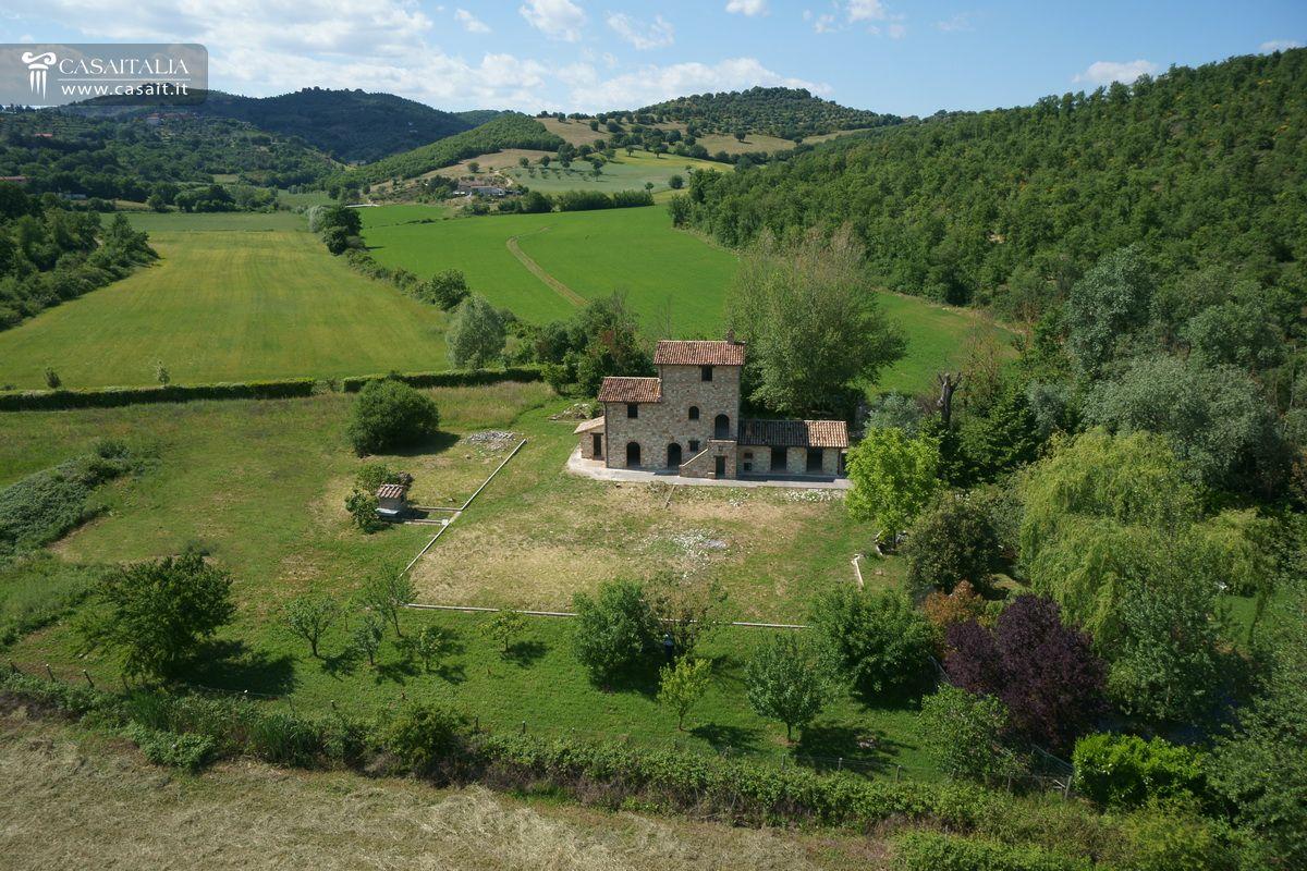Matrimonio Rustico Umbria : Casale rustico in vendita umbria