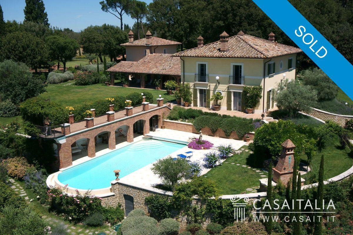 Villa in vendita in nuda propriet tra umbria e toscana for Piccoli progetti di case toscane