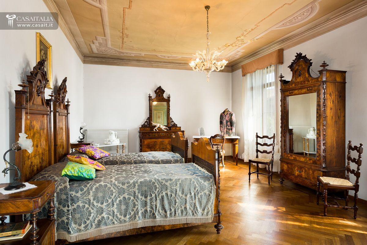 Villa d 39 epoca con parco in vendita a marostica for Cianografie d epoca in vendita