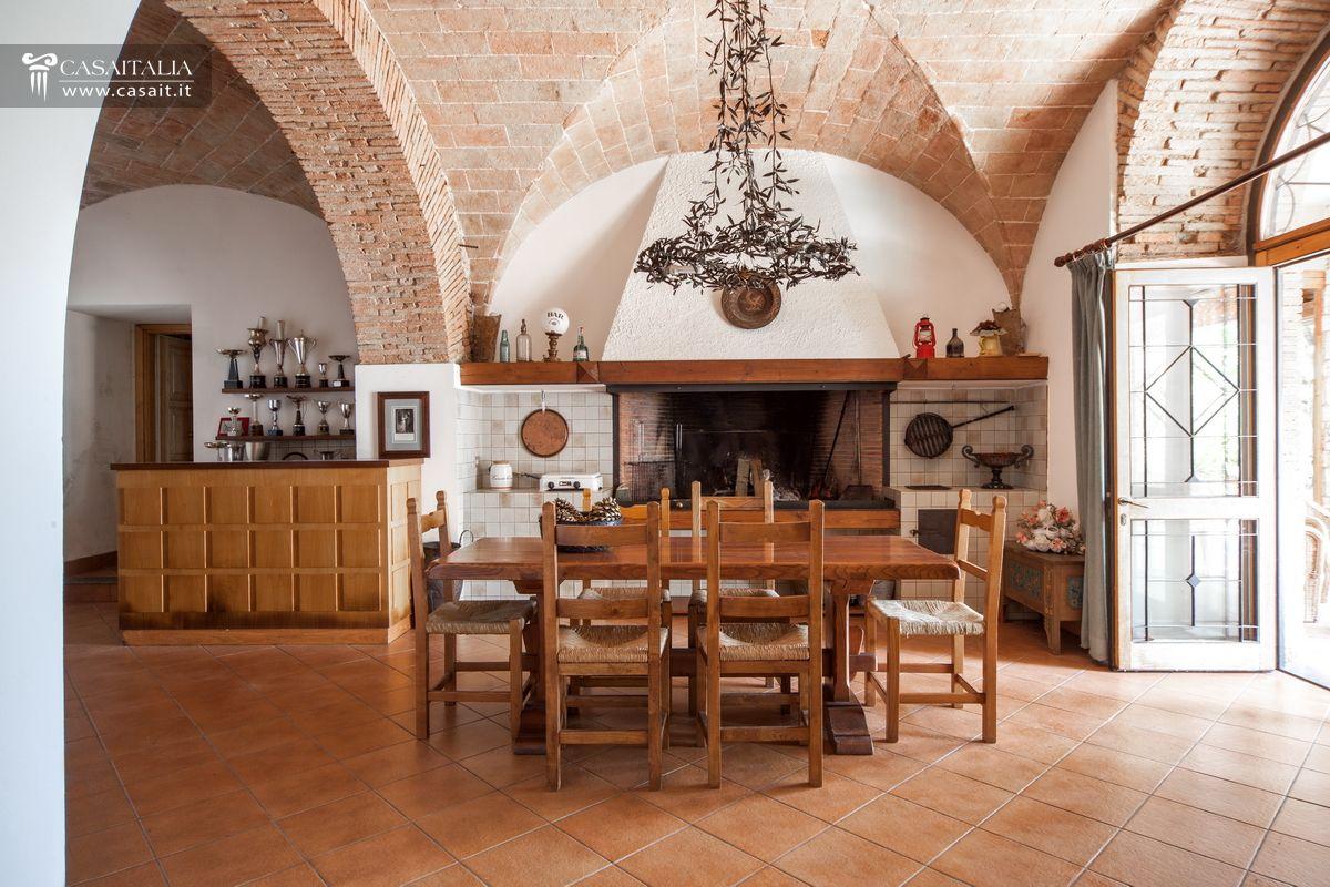 Villa Con Piscina Vigneto E Uliveto In Vendita A 3 Km Da Terni #764428 1200 800 Sala Da Pranzo Stile Veneziano Usata