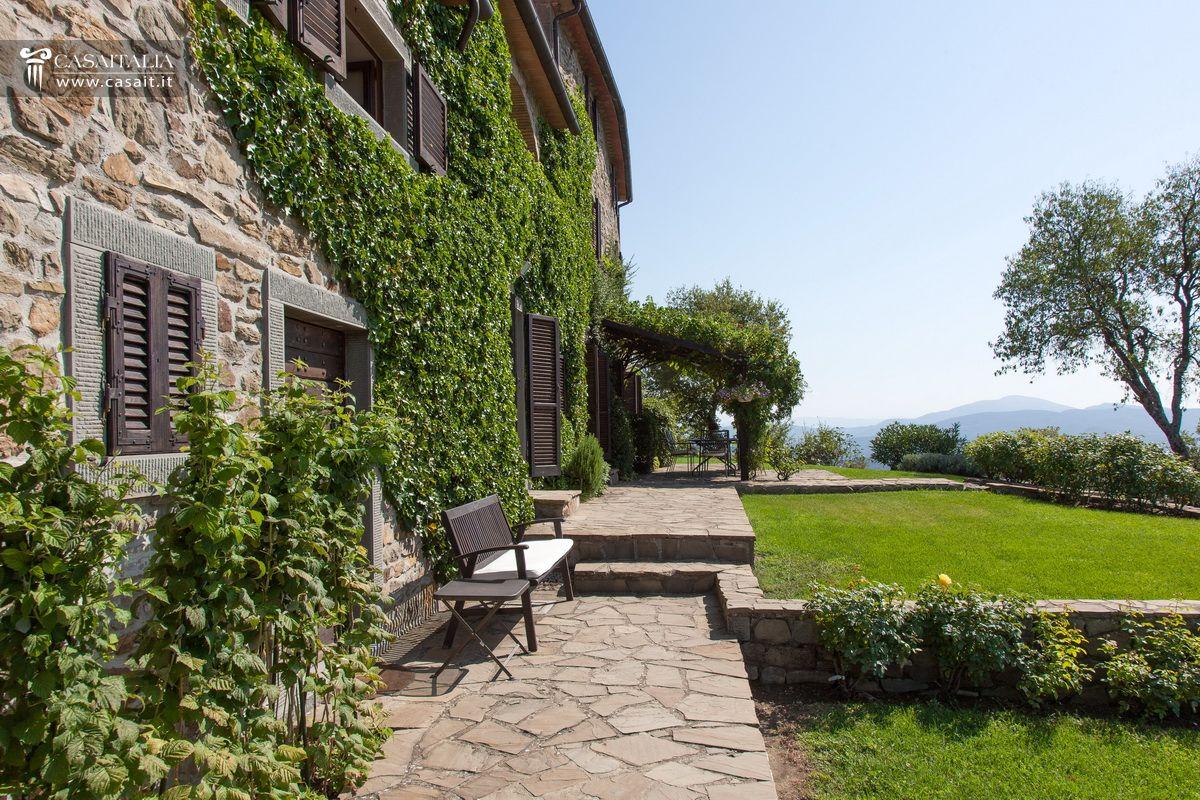 Casale in vendita nella valle del niccone con piscina - Il giardino segreto dvd vendita ...