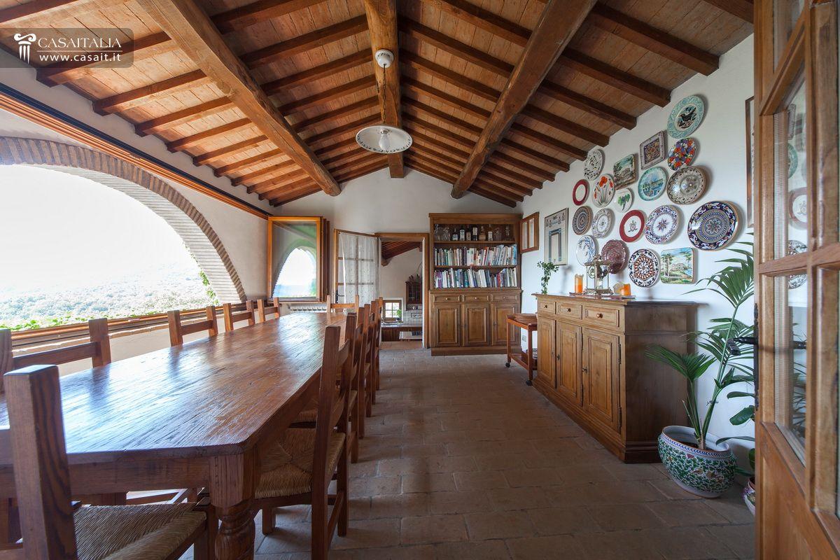 Casale In Vendita Nella Valle Del Niccone Con Piscina
