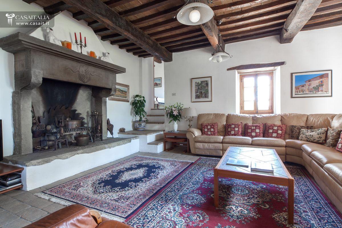 Casale in vendita nella valle del niccone con piscina for Piscinas trobajo del camino