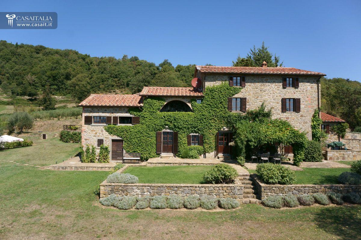 Casale in vendita nella valle del niccone con piscina for Fonte di casa dei sogni