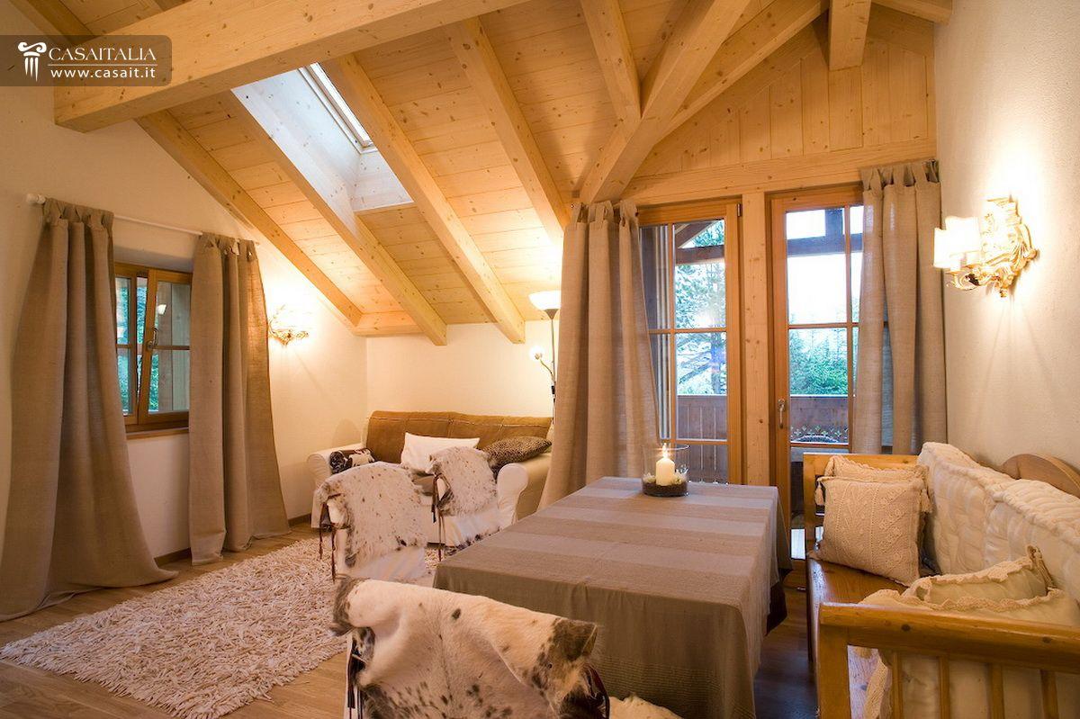 Chalet appartamenti vendita dolomiti cortina montagna for Immagini di appartamenti ristrutturati
