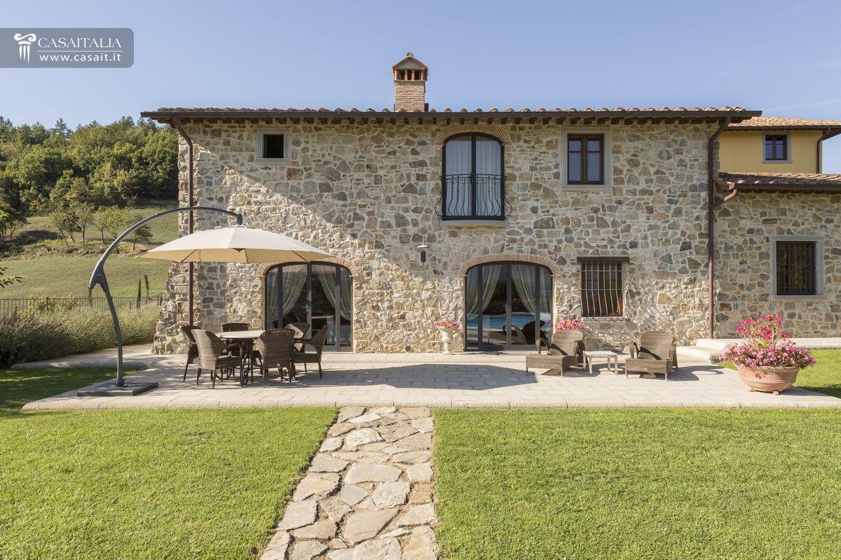 Casale con 2 dependance e 30 ha di terreno in vendita in - Comprare casa italia ...