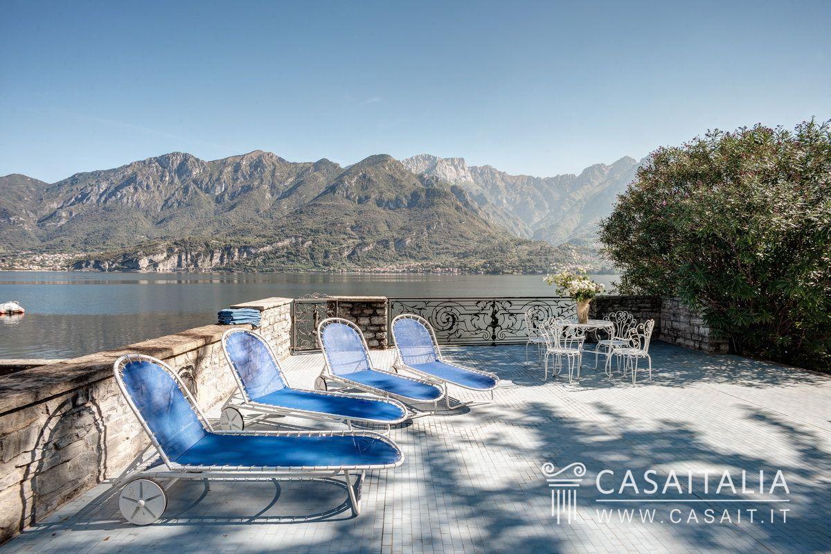 Villa con darsena sul lago di como for Planimetrie vista lago